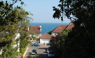 Cliff-top roads with sea views, Sandbourne Road.